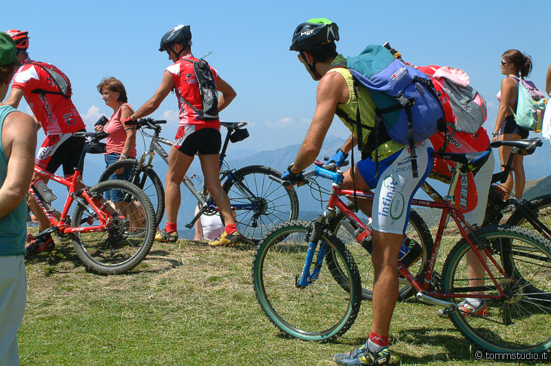 mountainbike lake como