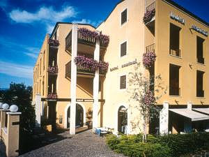 Hotel Santoni ***